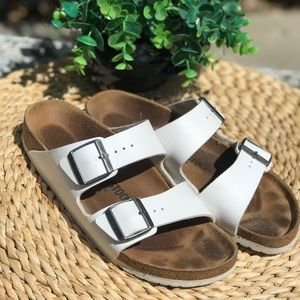 Birkenstock Shoes - Birkenstock Arizona🔴White size 40